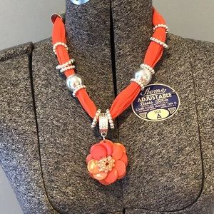 Pretty orange costume necklace- unmarked - floral